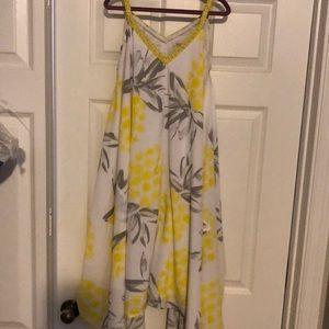 Pretty loose fitting dress